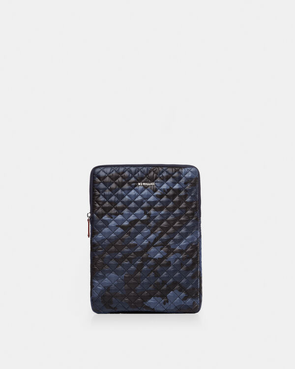 "Dark Blue Camo 15"" Computer Case"