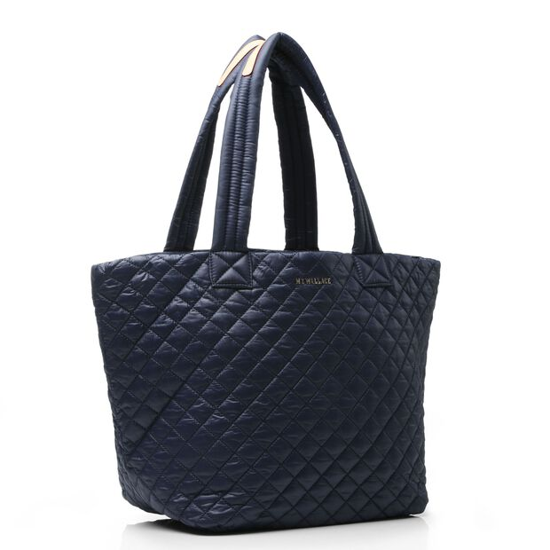 Dawn Oxford Medium Metro tote (3761099) in color Dawn
